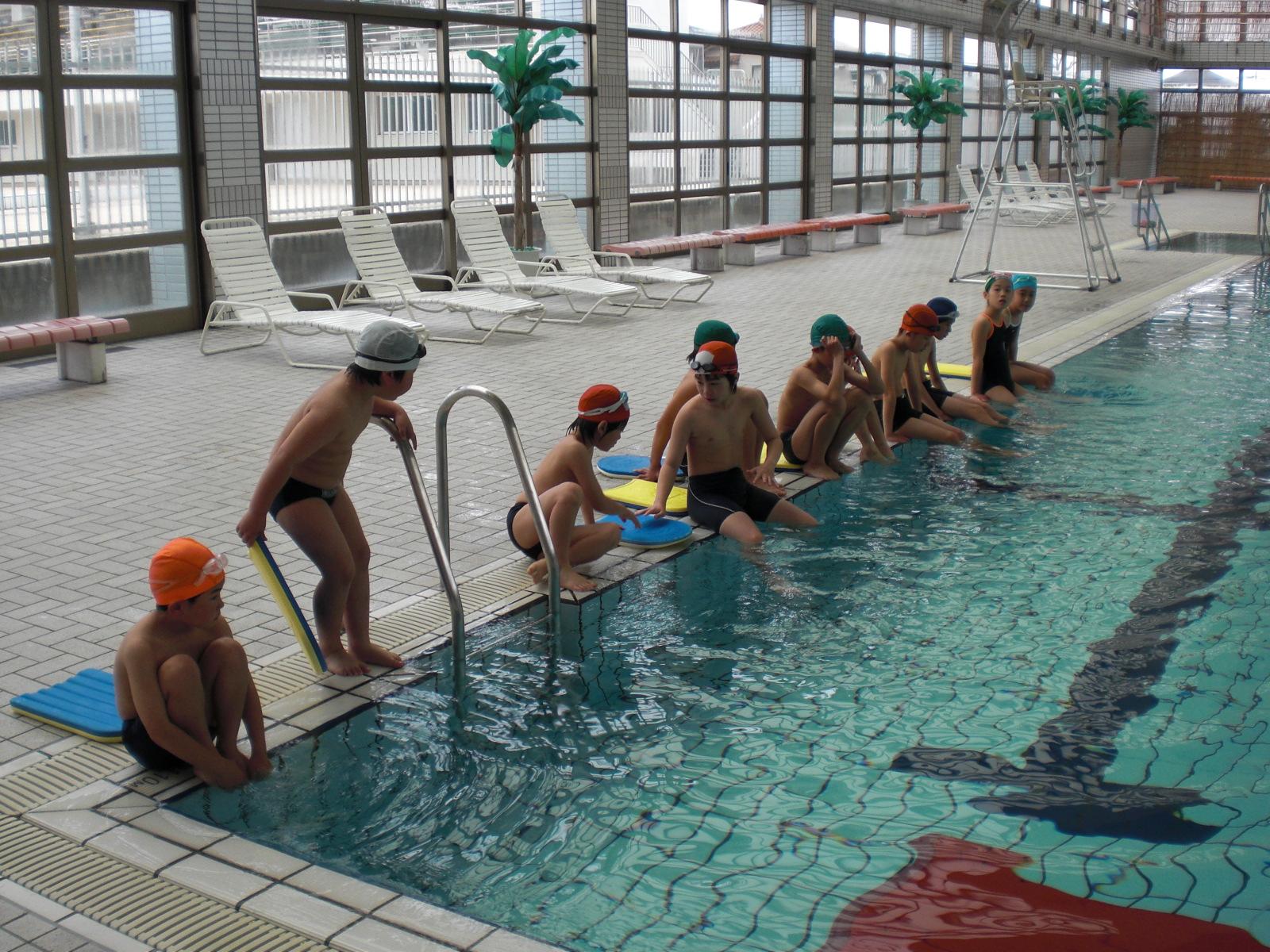 児童水泳教室の様子